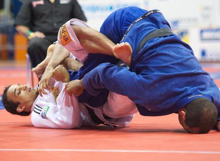 Comment mieux contrôler le Jiu-Jitsu Gi des adversaires
