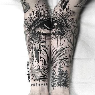 Matthew eye.jpg