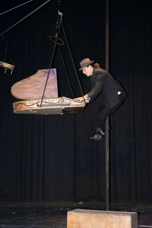 Piano mástil