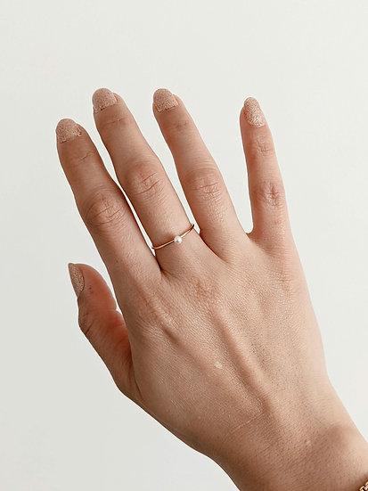 Mini Pearl Ring