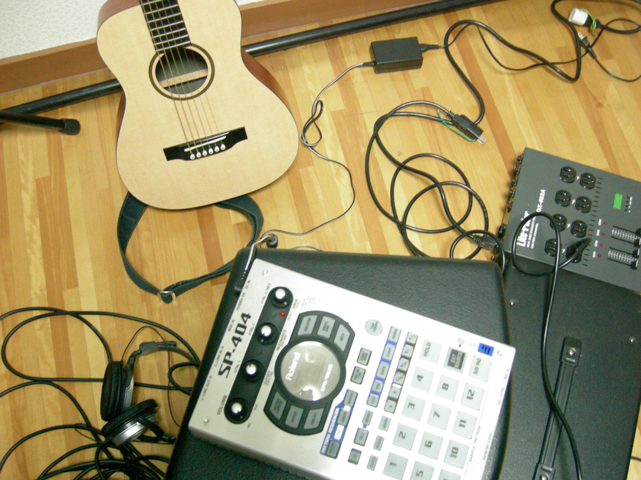 昔のギターと昔のサンプラー