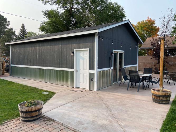 exterior-carpentry-corrugated-metal-sidi