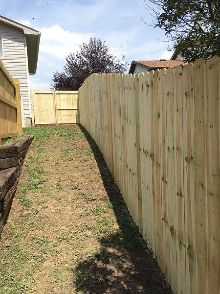 wood-privacy-fence.JPG