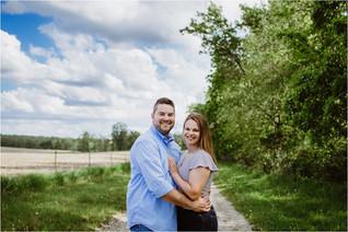 Tessa + Kevin   Family Farm Engagements