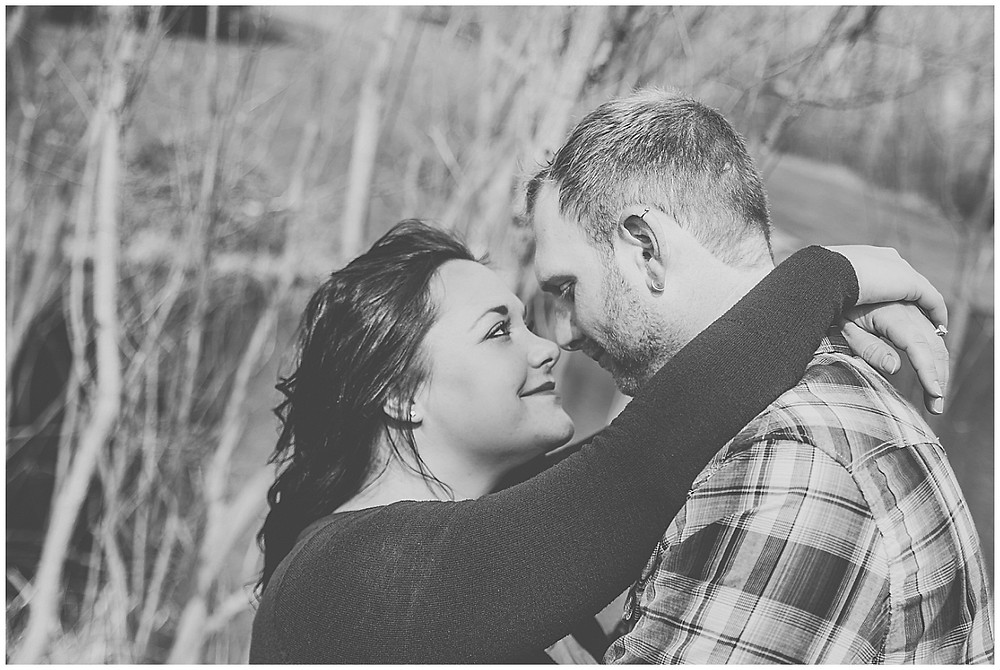 ENGAGEMENT PHOTOS ON THE POND