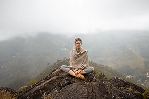 meditate-5375835_1920.jpg
