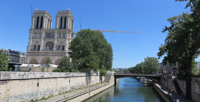 This week episodes : Notre-Dame, The Eiffel Tower, an old lady, Ivan Calberac's book and mathematics
