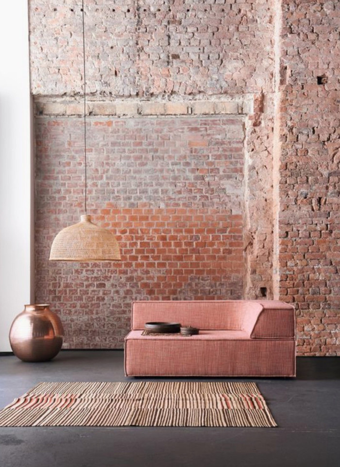 Interior Design Blog for dark Interiors, styling tips for dark decor