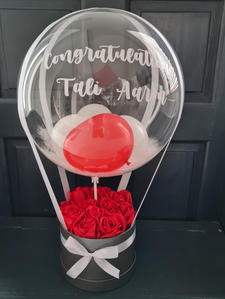 Rose box with personalised Balloon