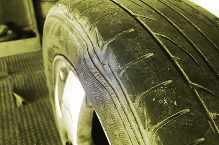 bolhas no pneu