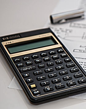 accounting-black-budget-53621_edited.jpg