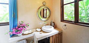 bath casona.jpg