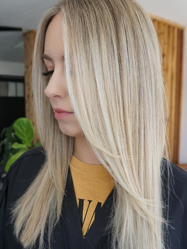 Sprinkling the town blonde ✨_______Styli