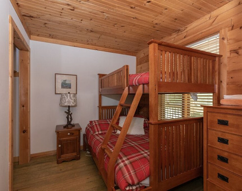 Knoty Pine Bedroom 1.jpg