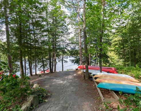 Path down to Lake .jpg