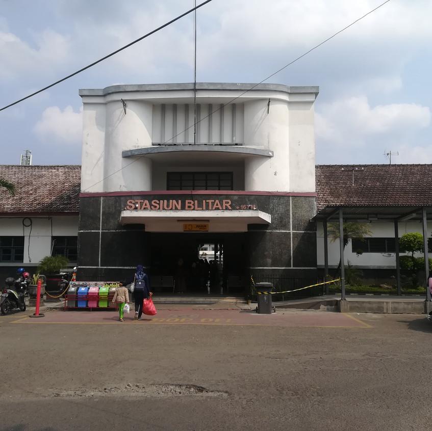 station Blitar verderaf