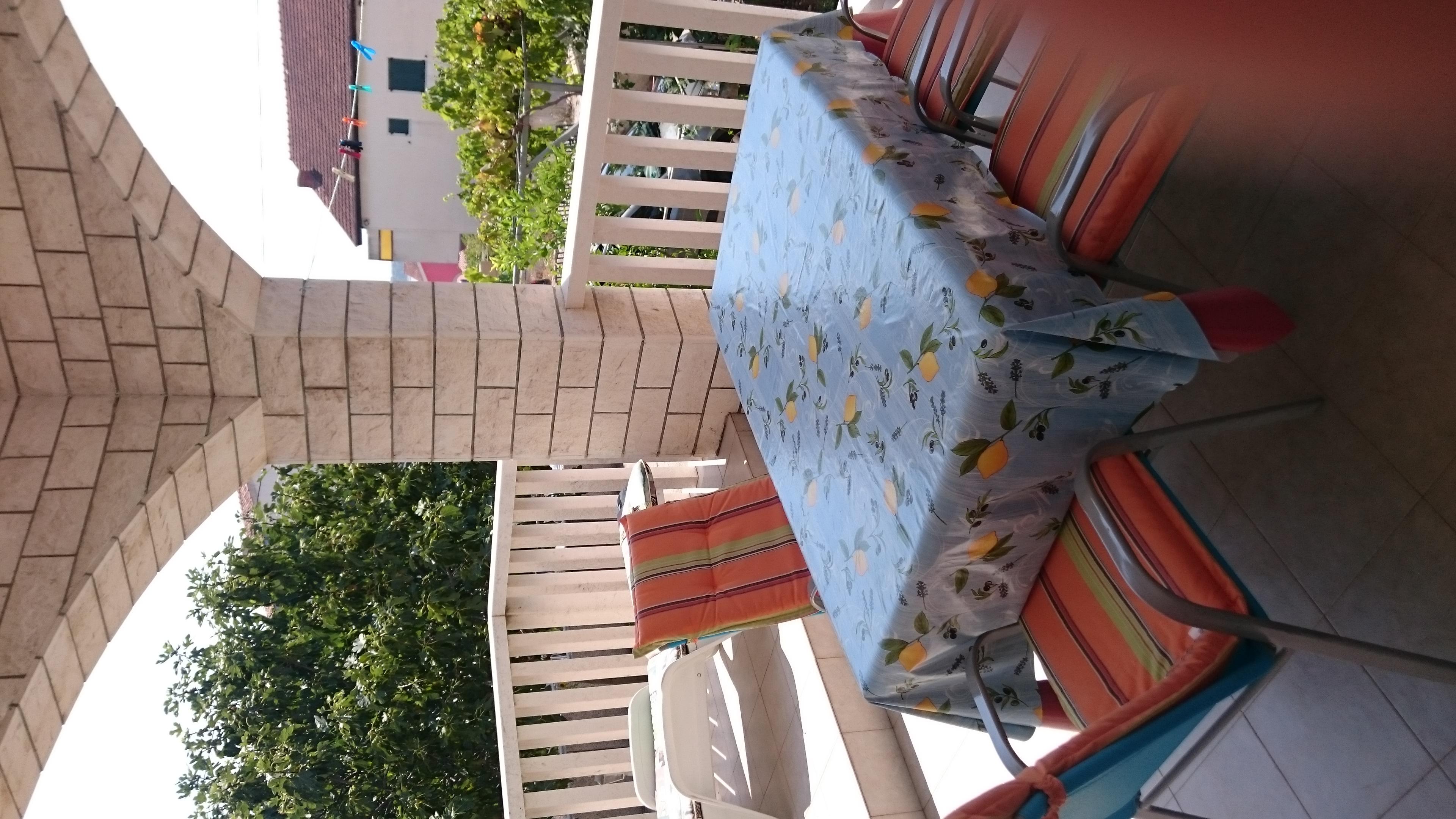 Große Terrasse im EG