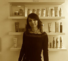 Simina-number-four-hairdressers-stylist_