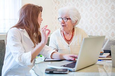 Unterstützung von Senioren