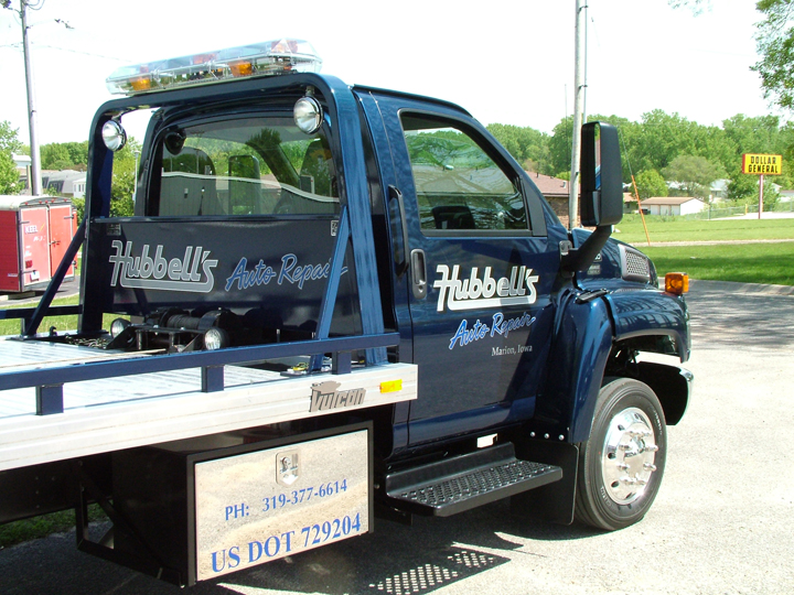 Hubbell's Auto Repair Flatbed Graphics