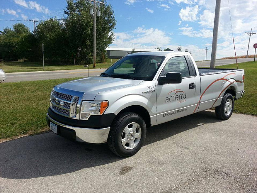 Cutting edge graphics vehicle graphics marion iowa for 13 fishing concept a3