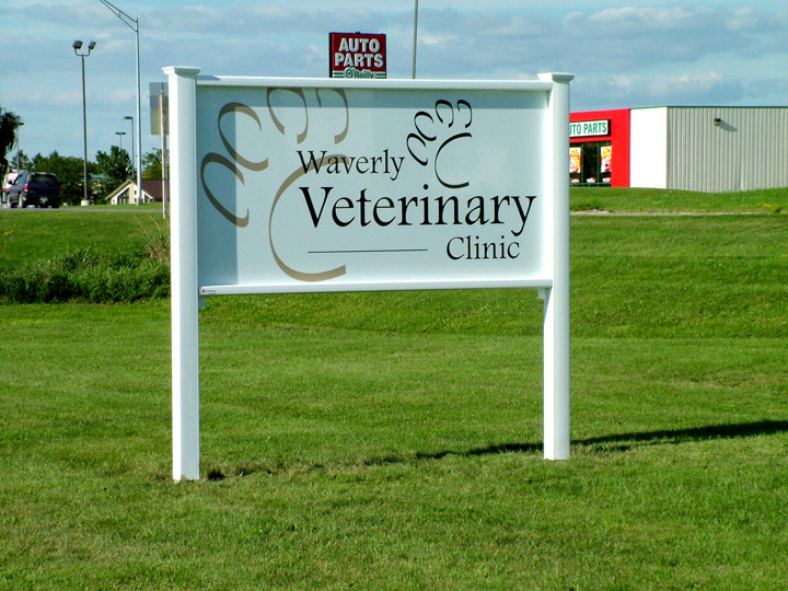 Waverly Veterinary Clinic Sign