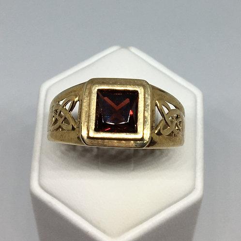 9ct Gold Garnet Signet Ring