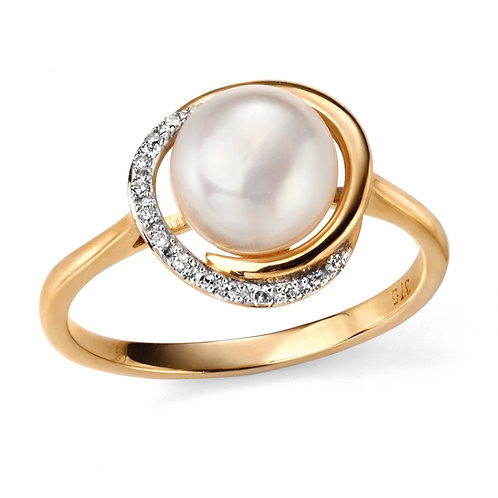 9ct Gold Pearl and Diamond Ring