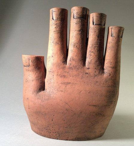Hand vase_edited