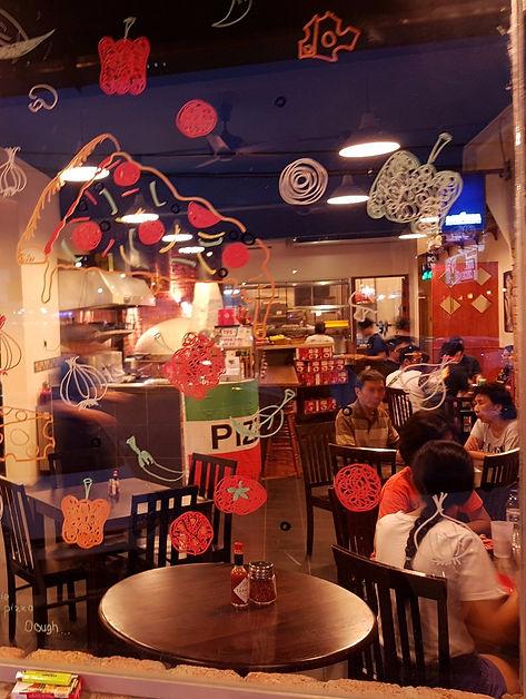 Michelangelo's Pizzeria, pizzas