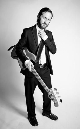 Colin Winsor – Bass