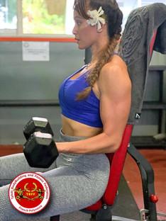 Les carnets d'entraînement ... Curl assis avec haltères