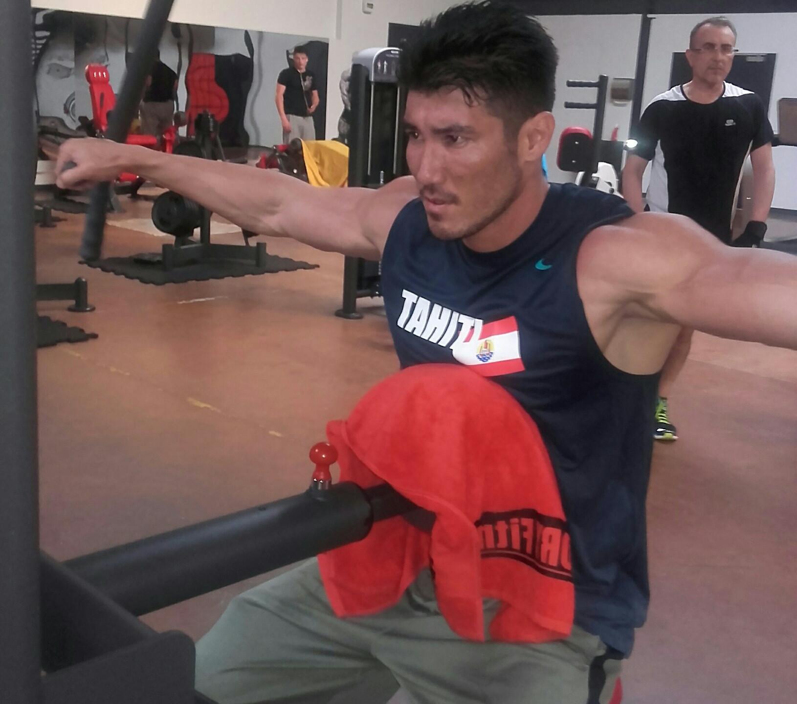 Michael Ching IFBB Tahiti Men's Physique_resized