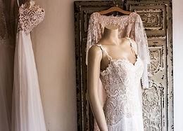Hochzeitskleid auf Headless Mannequin