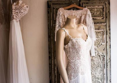 Hochzeitskleid auf Puppe