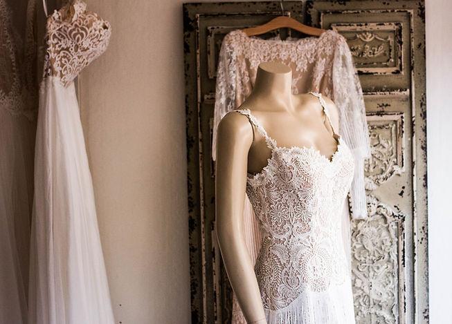 Svatební šaty na headless manekýn
