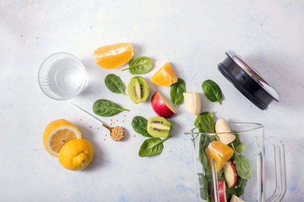 ingredients-smoothie-dans-melangeur-prep