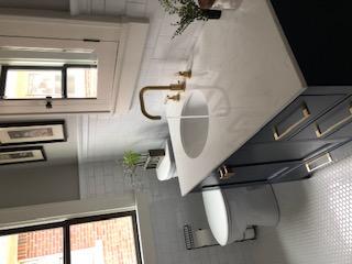 Bathroom sink & toilet