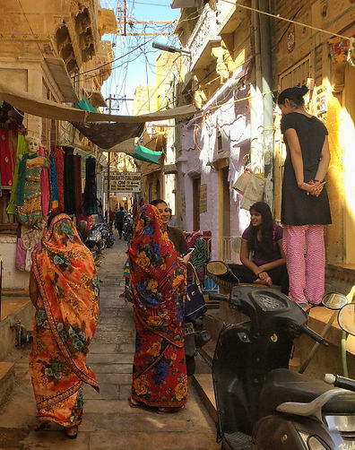 Pretty alleyways in India for solo women to explore