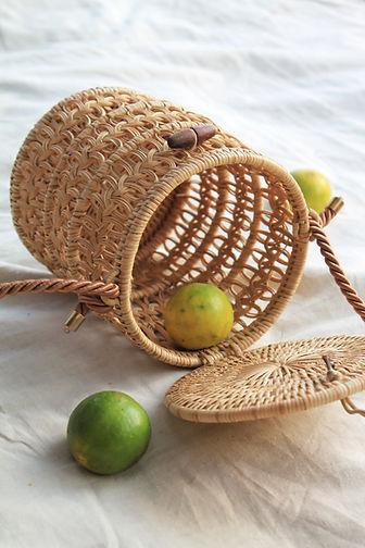 manava-pataga-bucket-bag-handwoven-ratta