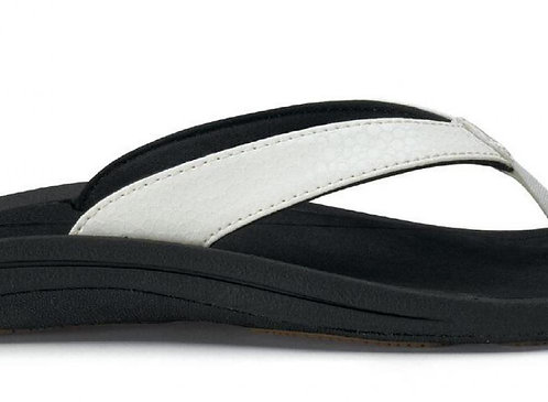OluKai Womens Kulapa Kai – White/Black