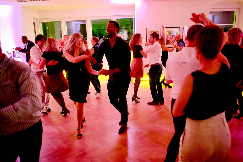 Salsa mit Tropical Swing