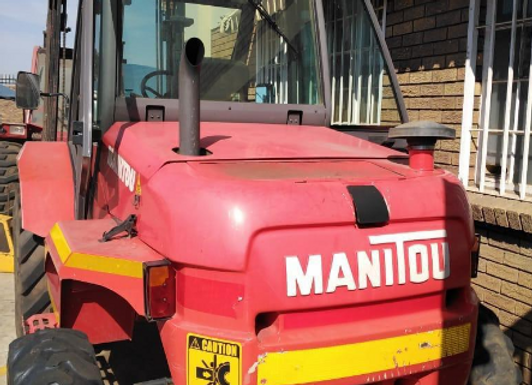 Manitou MX30-4 All Terrain Forklift