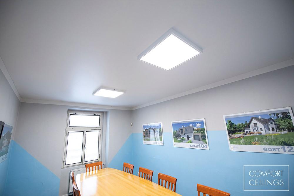 Napínaný strop s bílou fólií COMFORT CEILINGS