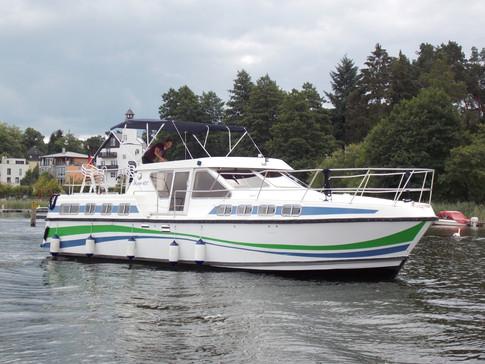 23.-27.08.2021 | 2060,- Euro - Tarpon 42 N - Hausboot für bis zu 12 Personen