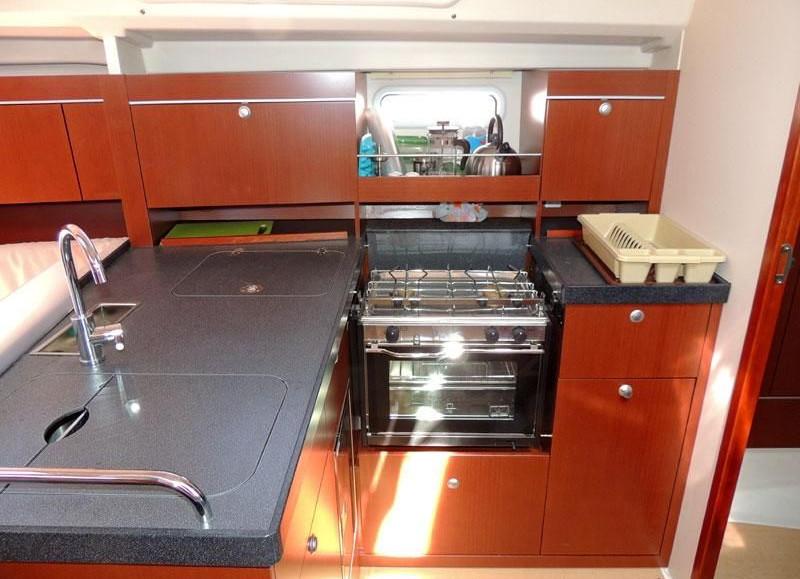 Hanse 415 kitchen