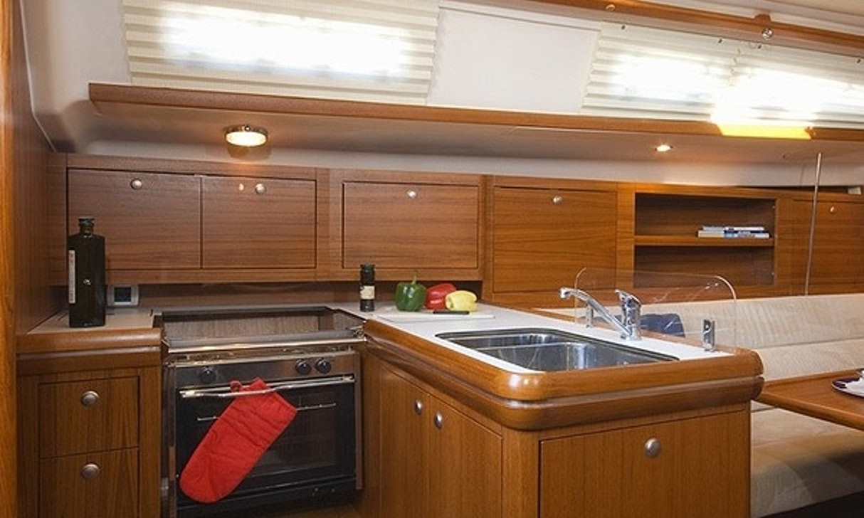 Salona 37 kitchen