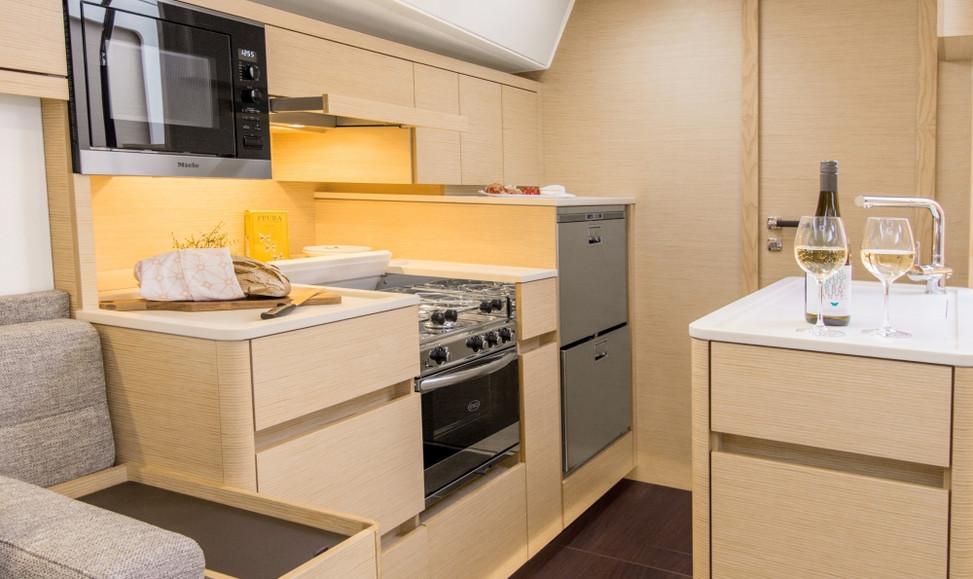 Hanse 548 kitchen