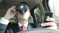 drinking-coffe-and-texting-while-driving