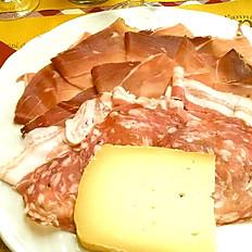 Gnocco Fritto con Tagliere Toscano